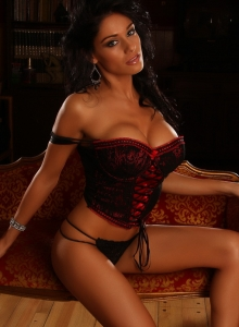 Busty Alluring Vixen Amanda Can Barely Be Contained By Her Sexy Lace Corset - Picture 12