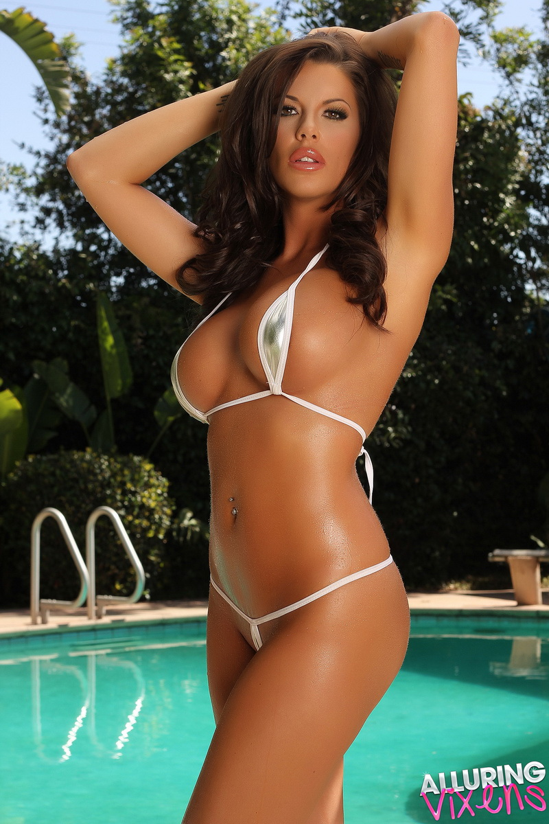 Big Breasted Babe Arian Teases By The Pool In A Very Skimpy Teardrop String Bikini - Picture 3
