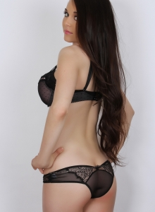 Ashley C Shows Off Her Flawless Body In A Matching Bra And Panties - Picture 4