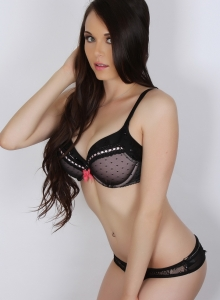 Ashley C Shows Off Her Flawless Body In A Matching Bra And Panties - Picture 8
