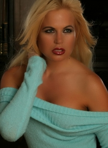 Busty Blonde Charlie Teases With Her Perfect Curves In Just A Big Oversized Sweater - Picture 11