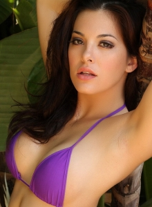Alluring Vixen Tease Olivia Shows Off Her Delicious Curves In A Skimpy Purple String Bikini - Picture 12