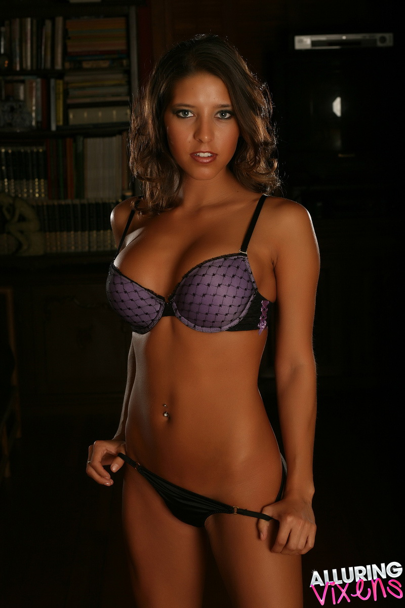 Alluring Vixens: Alluring Vixen babe Sol shows off her perfect body in her sexy purple bra and tiny black thong