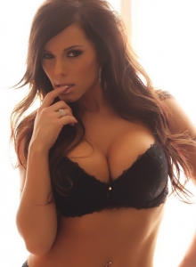 Alluring Vixen Candace Glows In Her Black Lace Bra And Panties With Matching Black Nylons - Picture 3