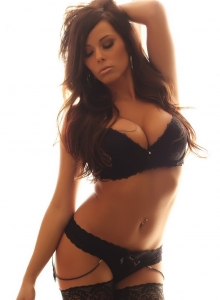 Alluring Vixen Candace Glows In Her Black Lace Bra And Panties With Matching Black Nylons - Picture 4