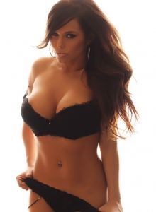 Alluring Vixen Candace Glows In Her Black Lace Bra And Panties With Matching Black Nylons - Picture 7