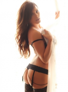 Alluring Vixen Candace Glows In Her Black Lace Bra And Panties With Matching Black Nylons - Picture 9