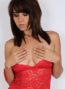 Busty Babe Chrissy Marie Teases In Skimpy Red Lace Lingerie Then Strips Out Of It - Picture 9