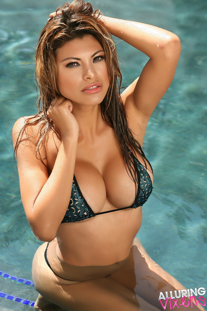 Claudia Is In The Pool In A Skimpy String Bikini That Barely Covers Her Perfect Curves - Picture 4