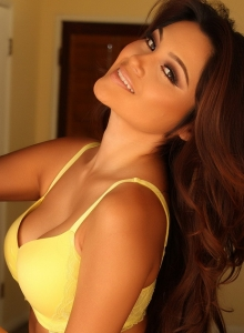 Busty Babe Cynthia Shows Off Her Perfect Curves In Matching Yellow Bra And Panties - Picture 7