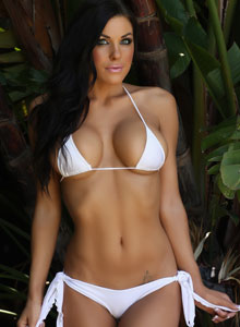 Alluring Vixen De Shows Her Tight Perfect Body In A Very Tiny White Bikini - Picture 1