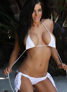Alluring Vixen De Shows Her Tight Perfect Body In A Very Tiny White Bikini - Picture 8