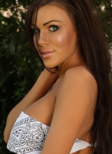 Tanned Alluring Vixen De Teases In A Bandana And Really Skimpy Jean Shorts - Picture 8