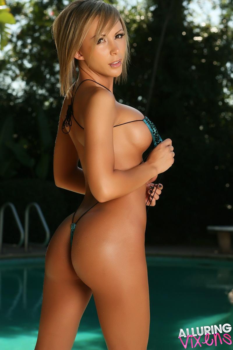 Tiffany thornton doinng sexy butt dance
