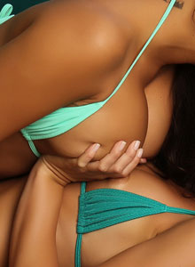 Alluring Vixen Justene Gets Down And Dirty With Her Friend In Their Bikinis - Picture 11