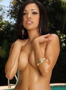 Exotic Babe Karla Teases With Her Big Boobs In A Skimpy String Bikini - Picture 9