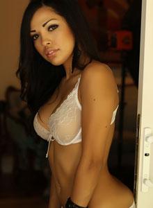 Alluring Vixen Karla Poses In A Semi Sheer Lace Bra - Picture 1