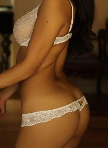 Alluring Vixen Karla Poses In A Semi Sheer Lace Bra - Picture 9