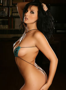 Alluring Vixen Kaya Danielle Shows Off Her Perfect Body In A Tiny Teardrop String Bikini - Picture 9