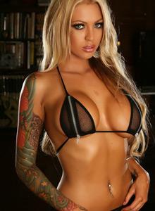 Megan Daniels Teases With Her Huge Boobs In A Zipper Bikini - Picture 3