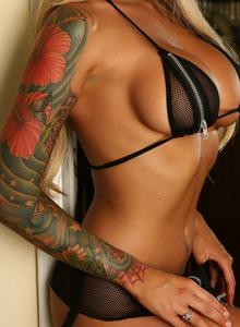 Megan Daniels Teases With Her Huge Boobs In A Zipper Bikini - Picture 7
