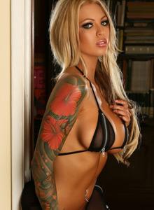 Megan Daniels Teases With Her Huge Boobs In A Zipper Bikini - Picture 11