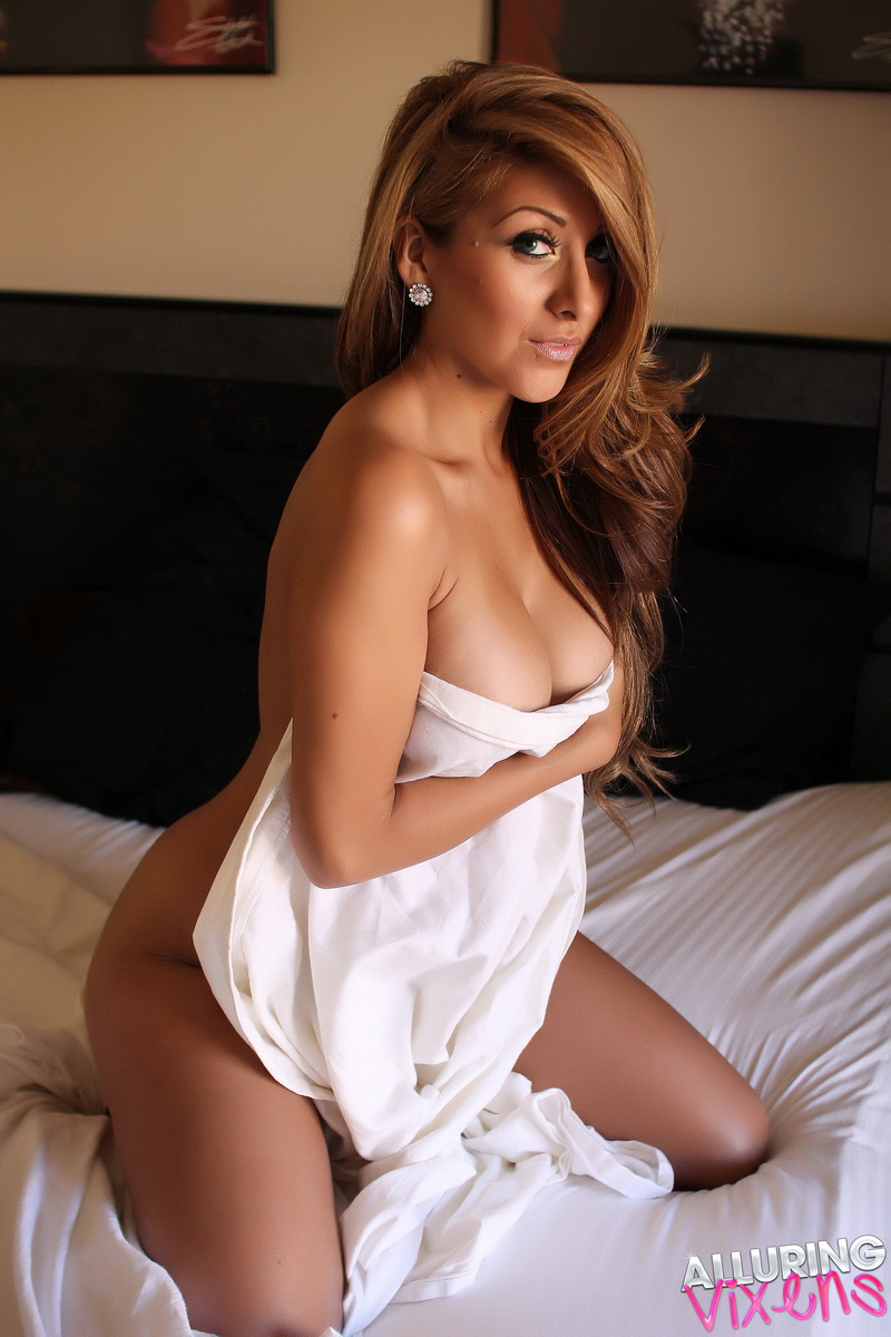 Alluring Vixens: Sexy Alluring Vixen babe Sophia teases naked in bed with just a white sheet covering her perfect perky breasts
