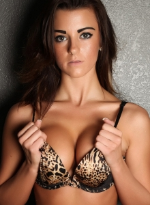 Taylor Shows Off In A Sexy Animal Print Bra With Matching Lace Panties - Picture 4
