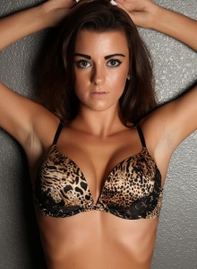 Taylor Shows Off In A Sexy Animal Print Bra With Matching Lace Panties - Picture 6